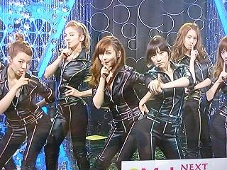 少女時代「MUSIC JAPAN」でのMR.TAXIの衣装