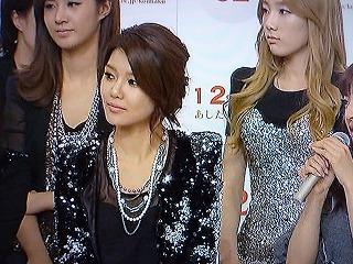 2011 第62回 紅白歌合戦 出演者会見 少女時代 ユリ、スヨン、テヨン