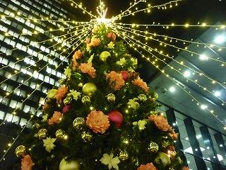 ライトアップ 新宿西口 三井ビル前 2