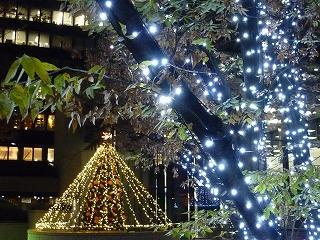 ライトアップ 新宿西口 三井ビル前 5